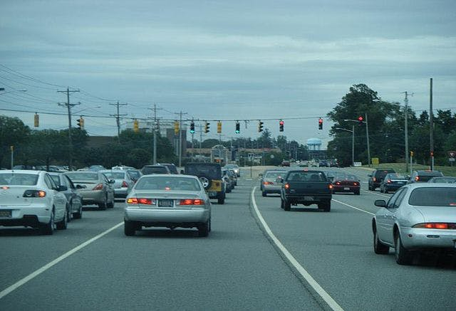 Concord Pike near Concord Mall (Dough4872 photo from Wikimedia Commons)